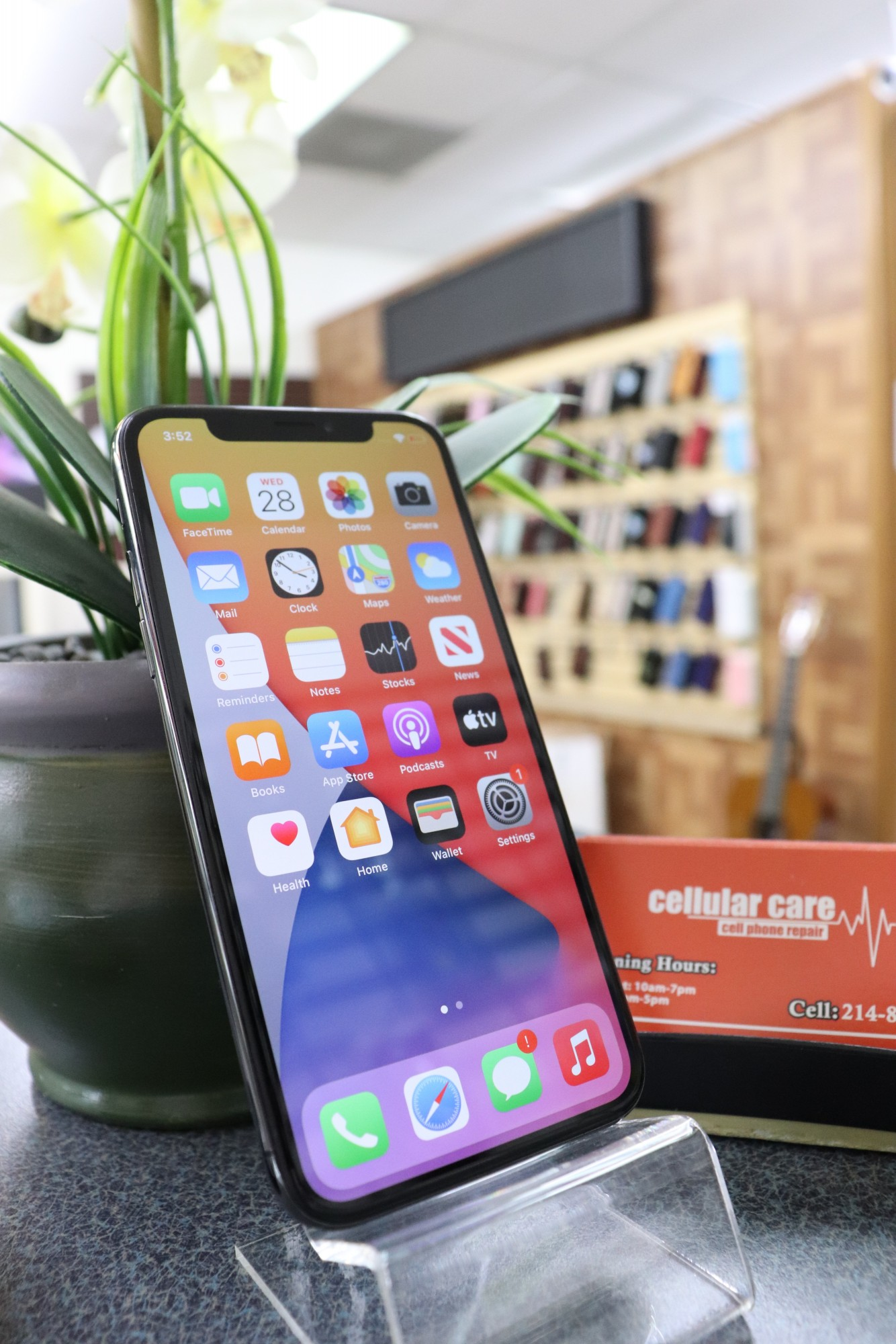1580 – iPhone X 64GB Black Unlocked $320 – Store Pick Up Address: Cellular Care 300 N Coit Rd #157 Richardson TX, 75080 Mon-Sat: 11Am to 7Pm Sun: 12 to 5Pm *About this item: -Condition: 9.